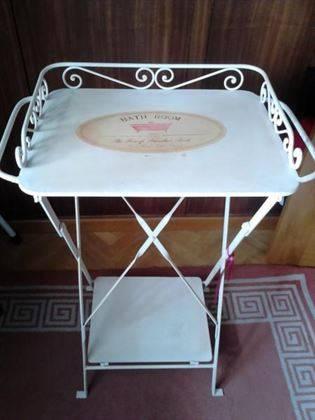 Mesa toallero de hierro plegable