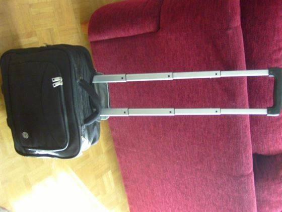 maletin con ruedas para transporte de ordenador portátil
