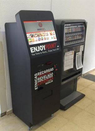 Kiosco fotográfico con recargas de móvil, Pines para juegos, Liberaciones…