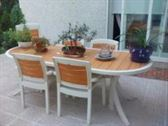 Mesa/sillas con su acolchado nuevo