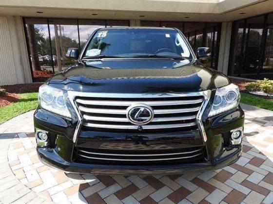 Título limpio Usado SUV Lexus LX570 (2015) En venta / Whats App: +393512348567