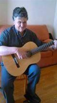 Servicios de guitarrista para locales de ocio y tiempo libre.