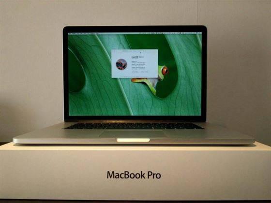 Apple Macbook Air / Macbook Pro / PlayStation 4